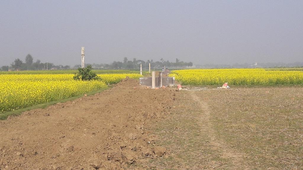 পদ্মা নদীর পানি সেচে ৪ হাজার কৃষকের জমি চাষ করে ভাগ্য ফিরবে-Aporadh-Barta