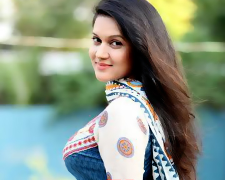 নতুন-পরিচয়ে-মিথিলা-Actress Mithila, who is coming up with new identity,