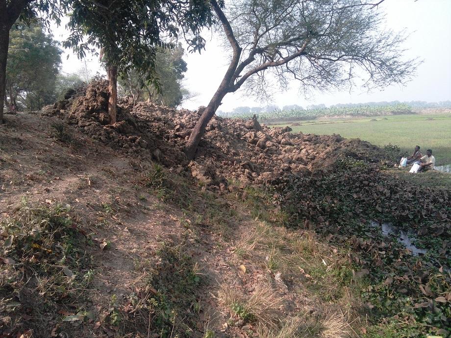 রাস্তা-নষ্ট-করে-জেল-Wasting the road road, excavation of the palm of the jell supermarket