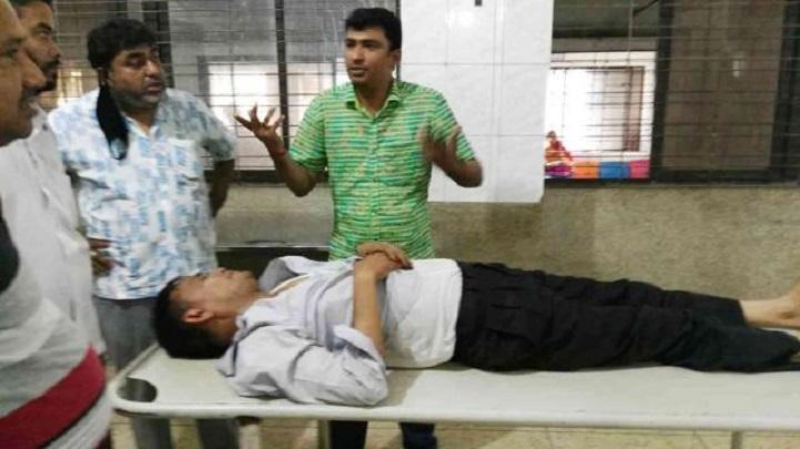 অজ্ঞান-পার্টির-খপ্পরে-শালা-দুলাভাই-Five people including Sala-Dulabh in the grip of the sensory party