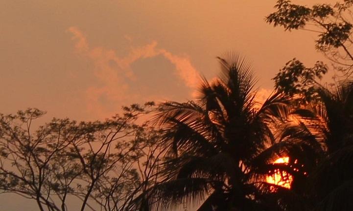 আকাশে রঙিন-The game of color clouds in the afternoon of the afternoon