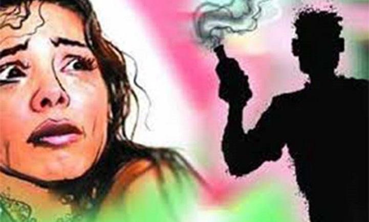 এসিড-নিক্ষেপ-Because of not agreeing to marriage proposal, acid throw