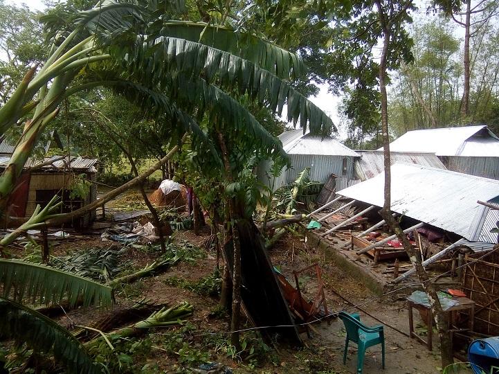 কাল-বৈশাখী-ঝড়-In ishwarganj, half-house homes collapsed in Kalbishakhi storm