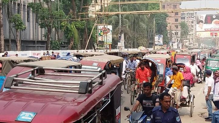 জানজটের-কবলে-পরীক্ষার্থী-HSC examinees confront mymensingh traffic congestion