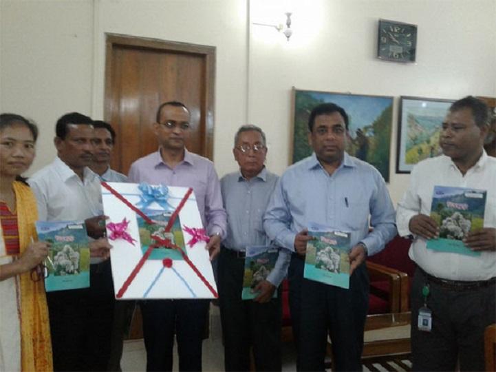 বিজুফুল-এর-মোড়ক-Rangpur deputy commissioner unveiled Bijuful's package