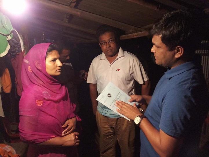 বিধবার-দুয়ারে-ইউএনও-The UNO of Syedpur was widowed by widows