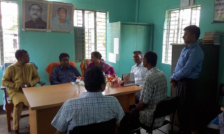 ভূমি-অফিস-পরিদর্শন-Deputy Commissioner of Shariatpur Union Land Office visited