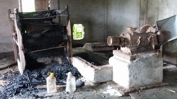 রাইচমেইলে-লুটপাট-In Trishal, Richmeel was charged with looting