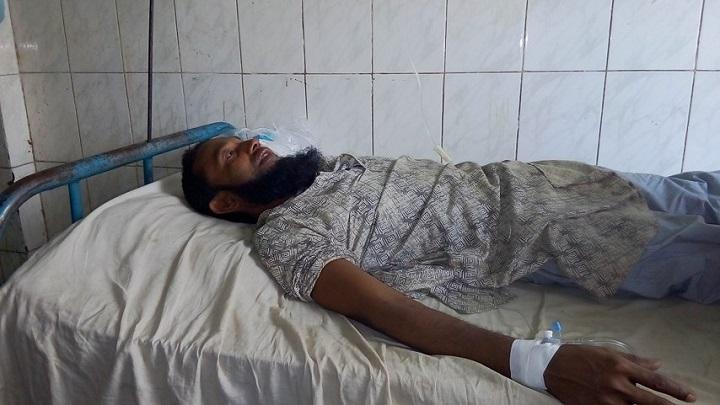সন্ত্রাসী-হামলা-ছিনতাই-Terrorist attack on businessman hijacked money