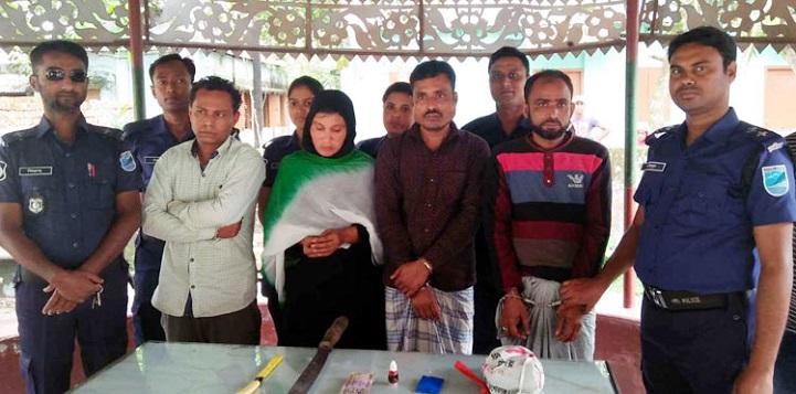 হোসেনপুরে-অস্ত্র-ইয়াবা-Hossainpur Arrested and Yawasaha 4