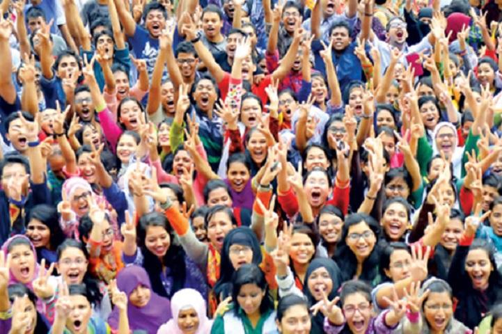 কলাপাড়ায় এইচএসসি পরীক্ষায় সেরা কলাপাড়া মহিলা ডিগ্রি কলেজ