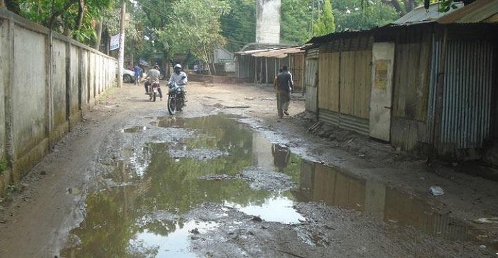 গাইবান্ধা পৌরসভার ৫২ কিলোমিটার রাস্তা ক্ষতিগ্রস্ত