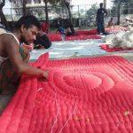 পলাশবাড়ীতে লেপ-তোশক তৈরিতে ব্যস্ত কারিগররা