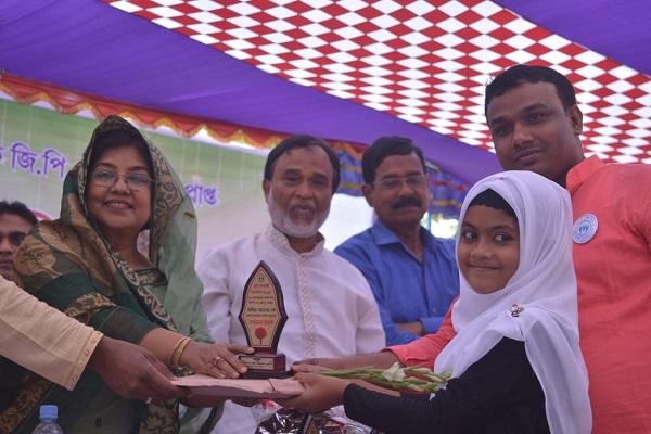 টংগিবাড়ীতে কৃতি শিক্ষার্থীদের সংবর্ধনা