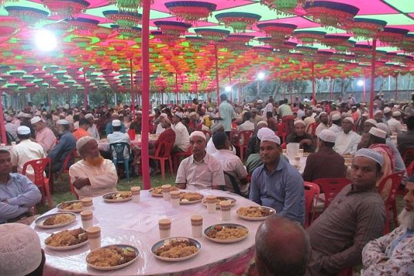 আটোয়ারীতে উপজেলা আওয়ামীলীগের ইফতার মাহফিল