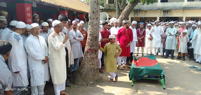 গৌরীপুরে বীর মুক্তিযোদ্ধা ভিপি ফজলুল হকের রাষ্ট্রীয় মর্যাদায় দাফন (2)