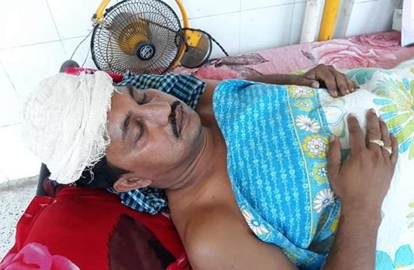ময়মনসিংহে কৃষকলীগ নেতাকে কুপিয়ে হত্যা চেষ্টা