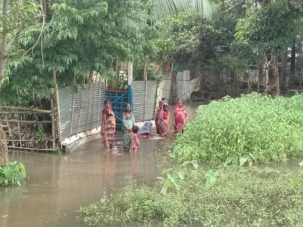 দুর্গাপুর পৌরসভার ২নং ওয়ার্ডে জলাবদ্ধতা, দূর্ভোগ চরমে