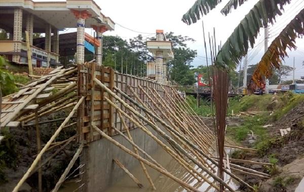 শরীয়তপুর জেলা শহরের গুরুত্বপূর্ন বেশির ভাগ খাল দখলদারদের হাতে