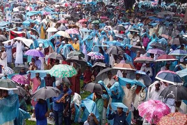শোলাকিয়ায় ঈদের জামাতে লাখো মুসল্লিদের অংশগ্রহণ