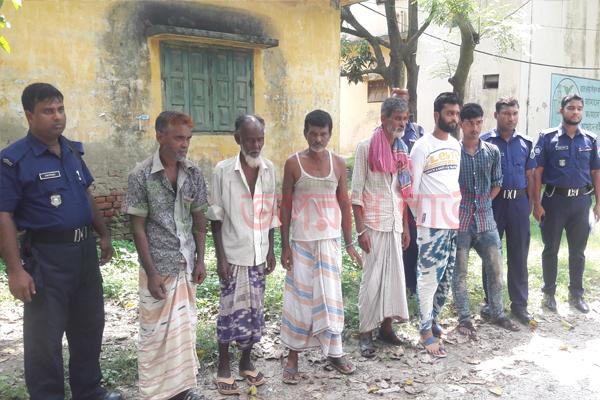 গোদাগাড়ীতে ৬ মাদক সেবীকে কারাদন্ড দিয়েছে ভ্রাম্যমান আদালত