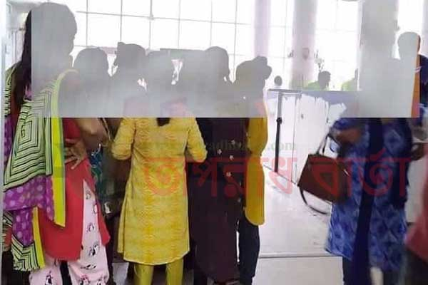 ভারতে পাচার ৭ নারীকে বেনাপোল চেকপোষ্ট দিয়ে ফেরত