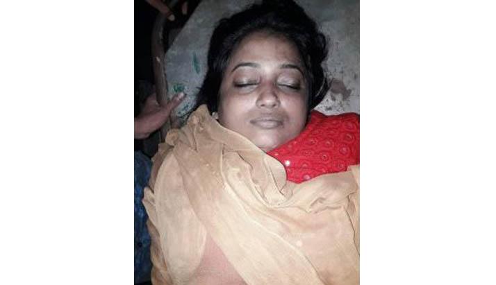 বরিশালে সাংবাদিক শিরিন শারমিনের রহস্যজনক মৃত্যু